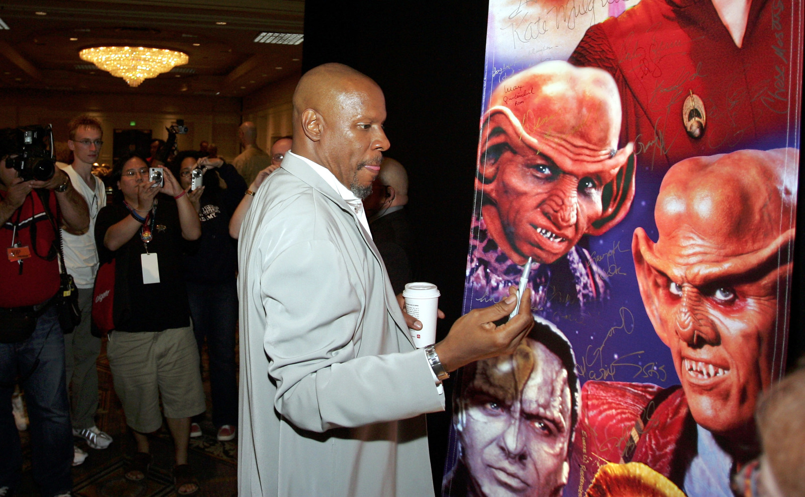 Obviously, Star Trek fans totally support Captain Sisko's illegal ways